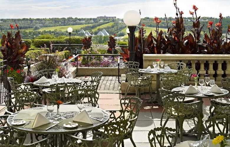 The Fairmont Hotel MacDonald - Terrace - 2