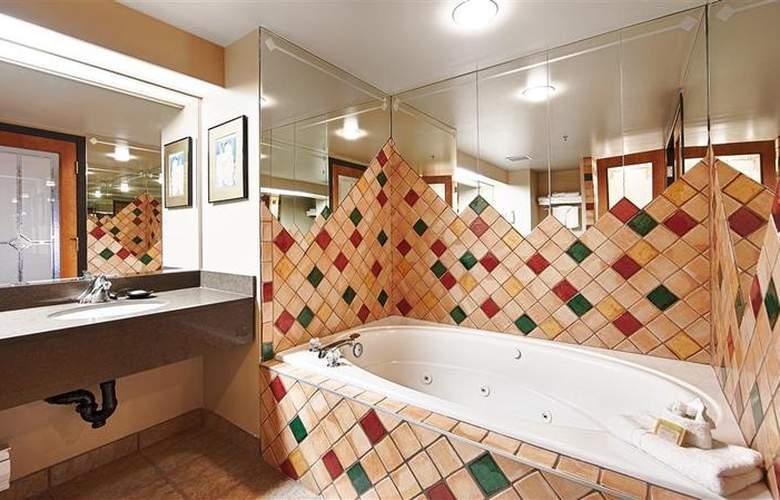 Best Western Plus Pocaterra Inn - Room - 123