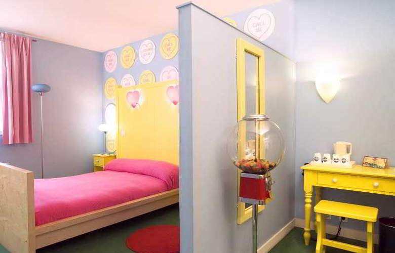 Explorers At Disneyland Paris - Room - 22