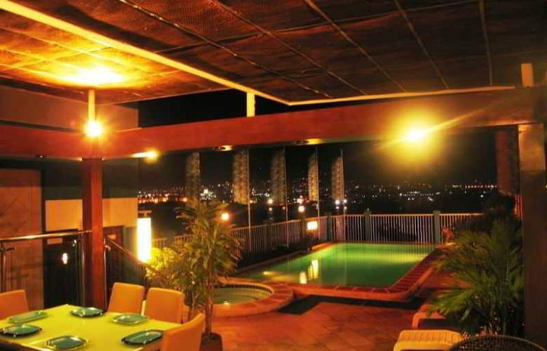 The Bellavista Hotel - Pool - 9
