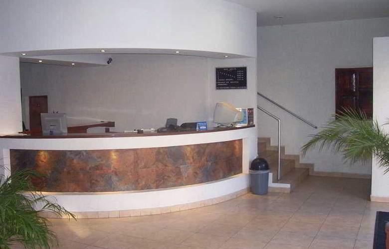 Marlyn - Hotel - 0