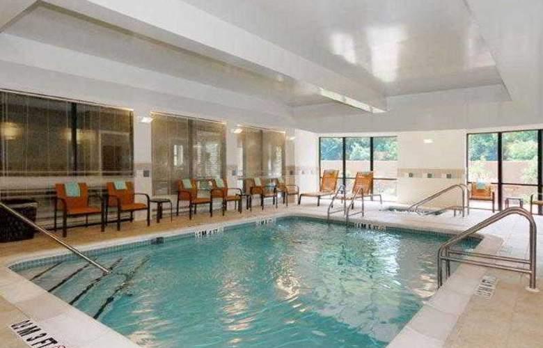 Courtyard Vicksburg - Hotel - 13
