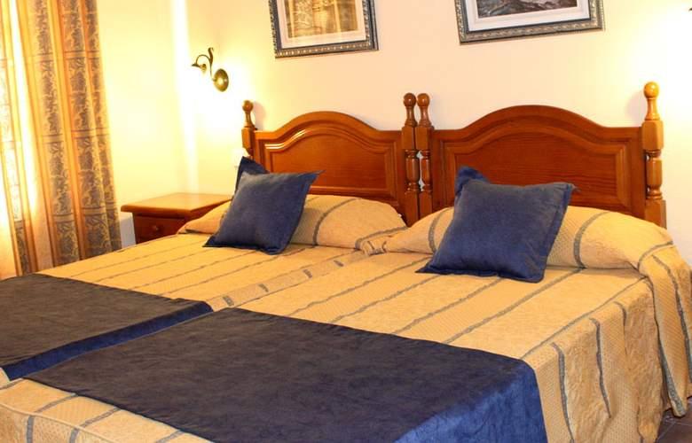 Arcos De Montemar - Room - 1