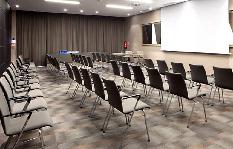 AC Hotel Sant Cugat by Marriott - Conference - 4