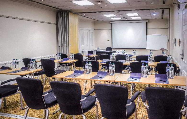 Hilton London Euston - Conference - 21