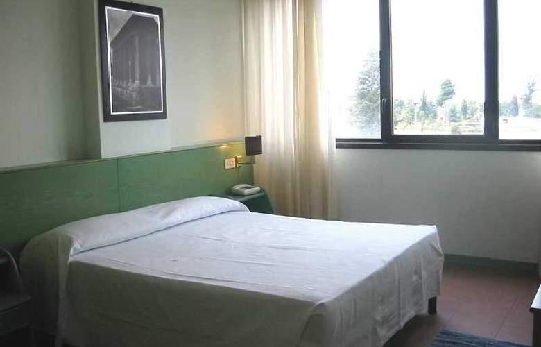 Arcadia - Room - 0