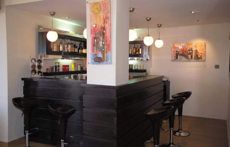 Angela´s House Hotel - Bar - 2