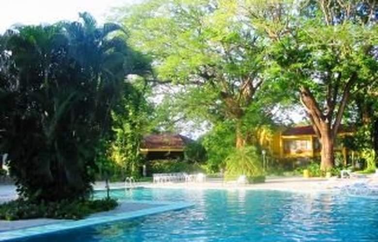 Best Western El Sitio Hotel & Casino - Pool - 6