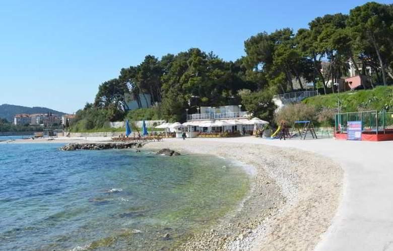 Sobe Cikes - Beach - 7