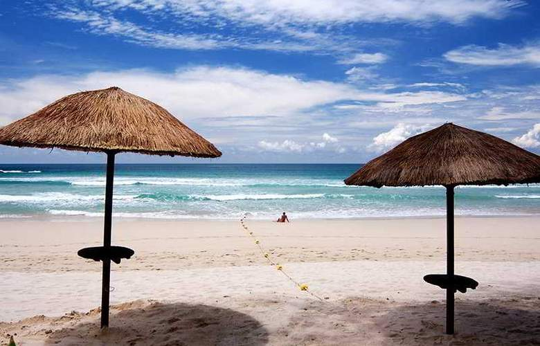 Le Meridien Phuket Beach Resort - Beach - 10