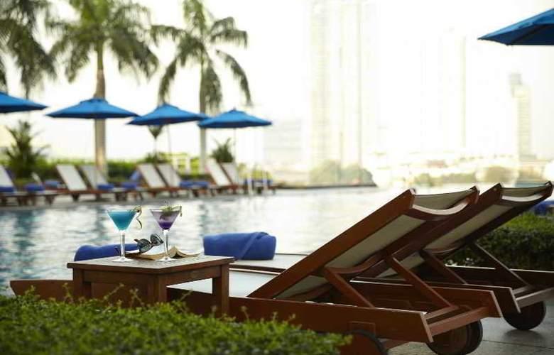 Chatrium Riverside Bangkok - Pool - 22