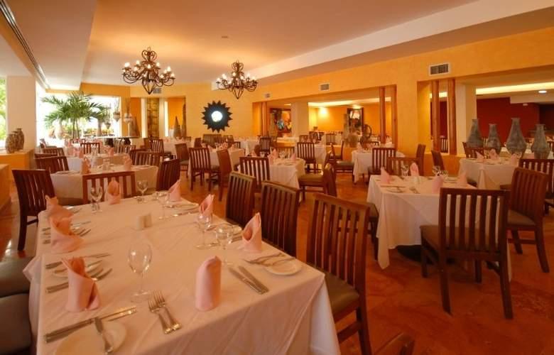 Oasis Palm - Restaurant - 11