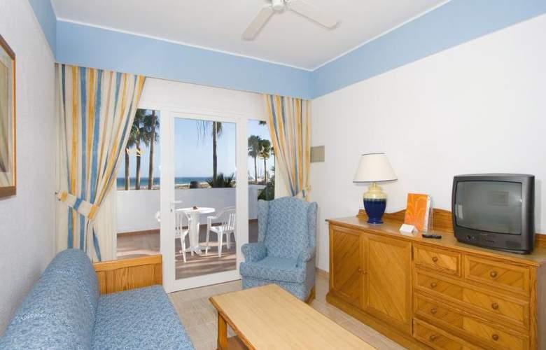 Fun4All Riu Paraiso Lanzarote - Room - 13
