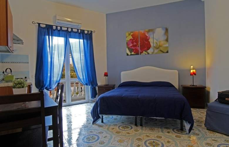 Sorrento Town Suites - Room - 4