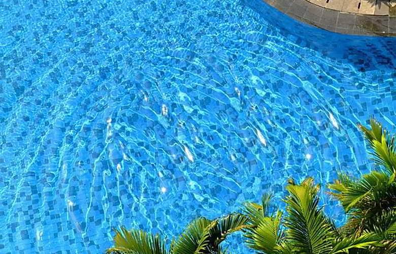 Santika Premiere Jakarta - Pool - 4