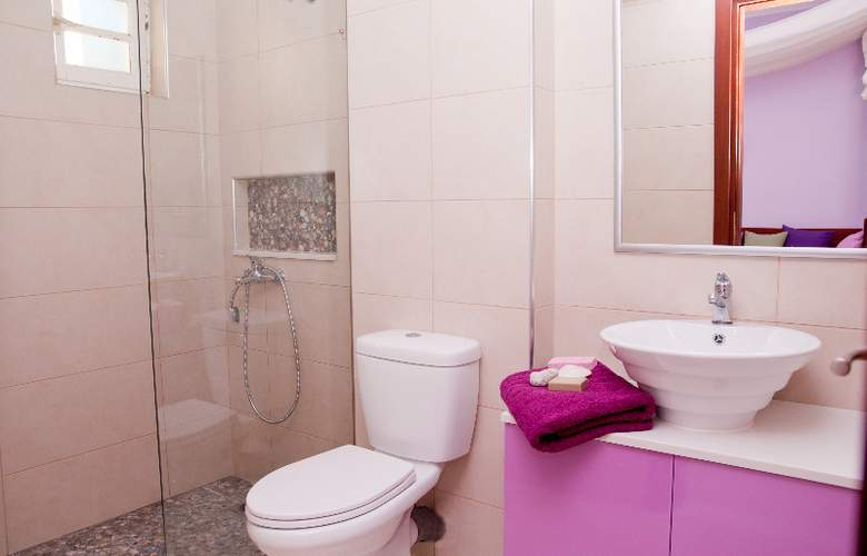 Philoxenia Hotel and Apartments - Room - 6