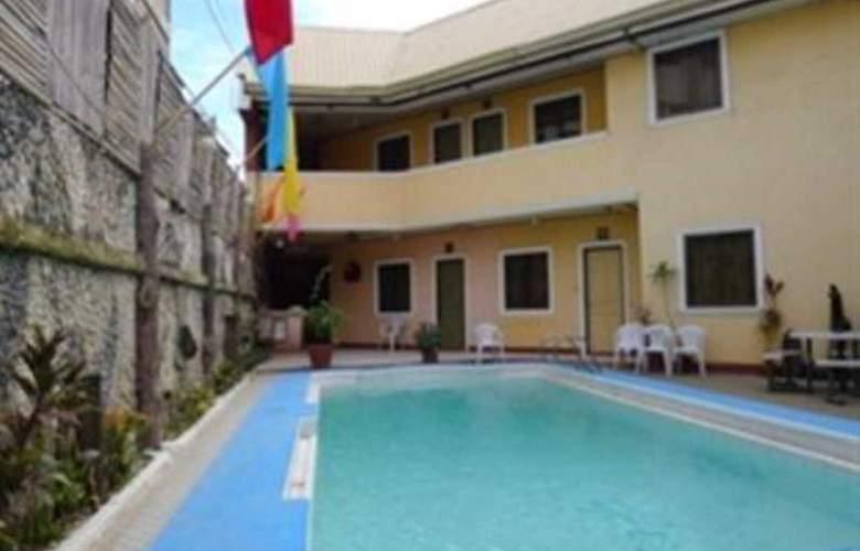 Turissimo Garden Hotel - Pool - 3