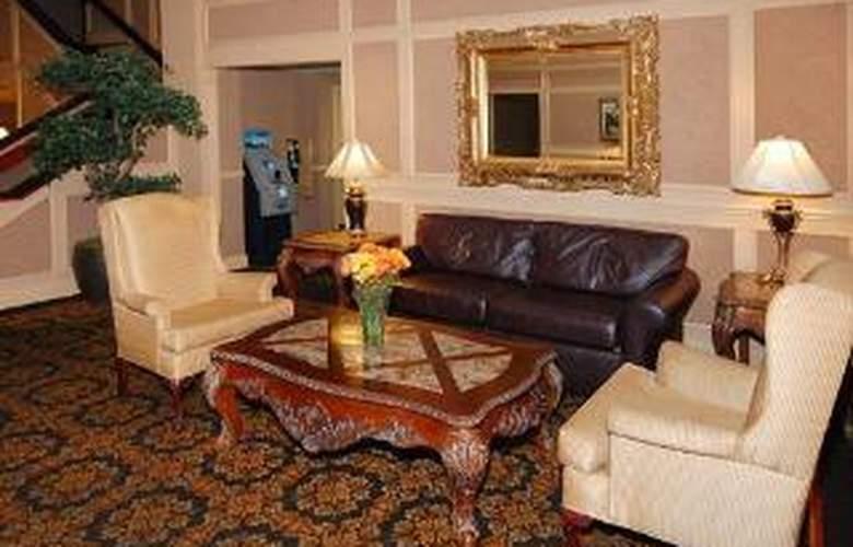 Clarion Hotel Palmer Inn - General - 2