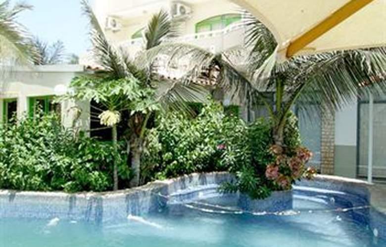 Pensao Nha Terra - Pool - 13