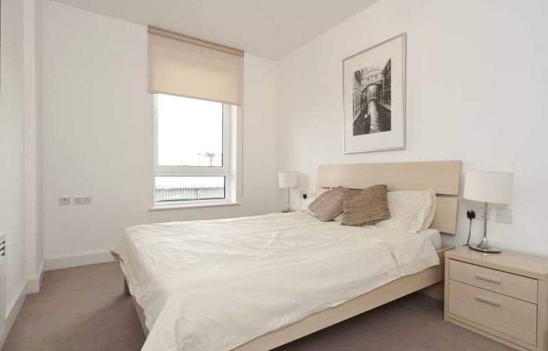 Tarves Way Apartments - Room - 4