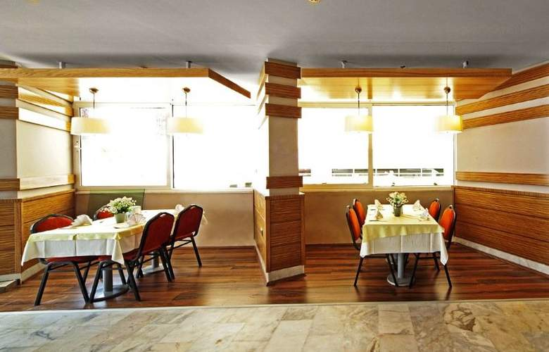 Sol Beach Hotel - Restaurant - 6