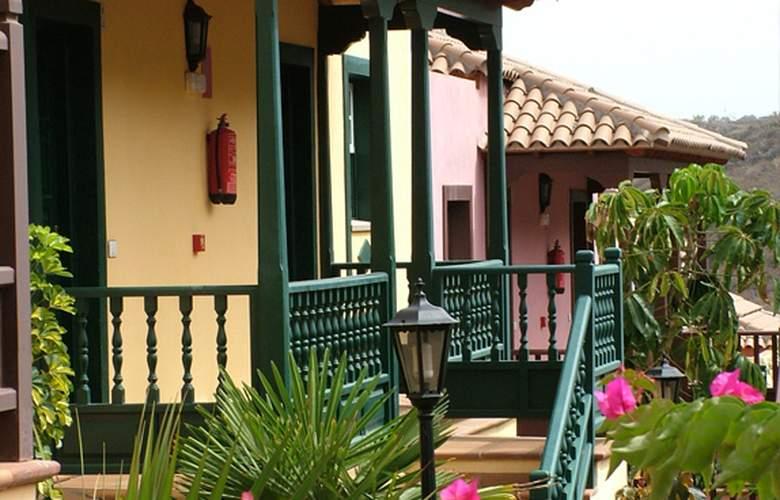 Apartamentos Oasis San Antonio - Hotel - 4
