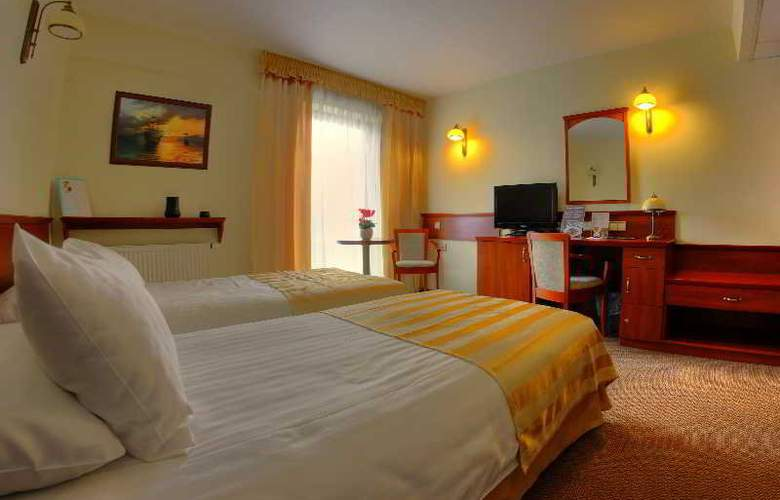 Conrad - Room - 10