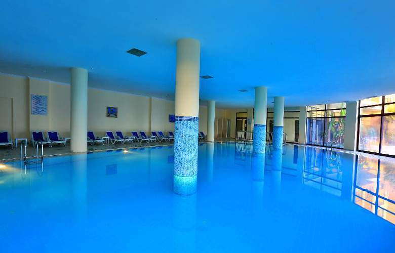 Lyra Resort - Pool - 34