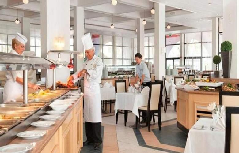 Louis Phaethon Beach - Restaurant - 19