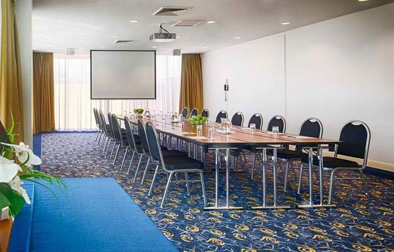 Novotel Wollongong Northbeach - Conference - 41