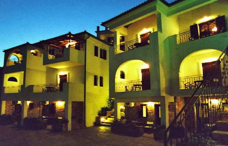 Yalis - Hotel - 0