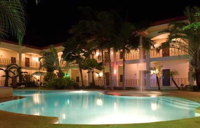 Citystate Asturias Hotel Palawan - Pool - 3