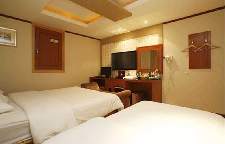 Tobin Tourist Hotel - Room - 11