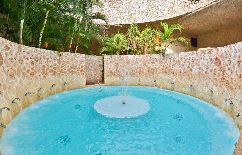 Grand Palladium White Sand Resort & Spa - Services - 31