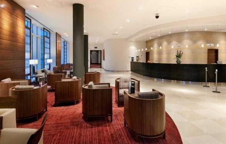 Hilton Reading - General - 10