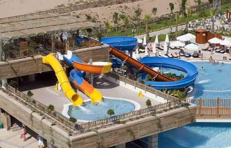 Crystal Palace Luxury Resort & Spa - Pool - 17