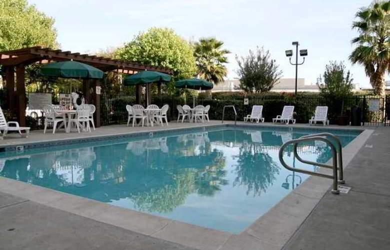 Hampton Inn Livermore - Hotel - 2