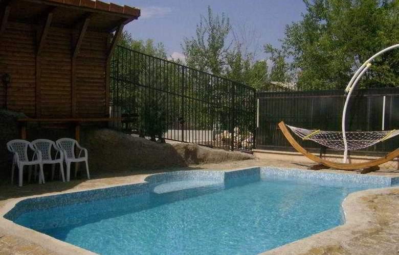 Imperial Skopje - Pool - 7