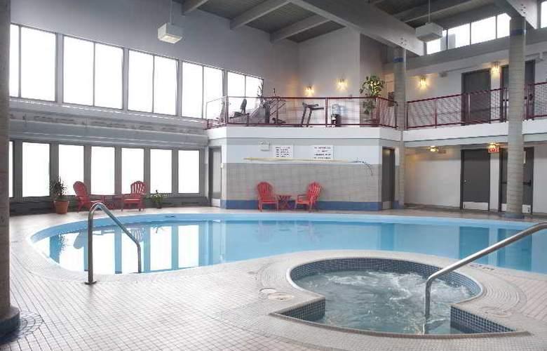 Maligne Lodge - Pool - 6