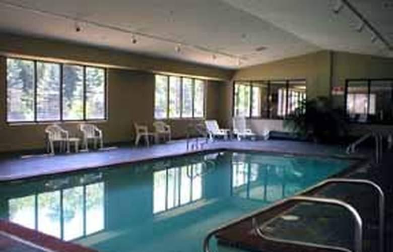 Comfort Inn (Blairsville) - Pool - 4