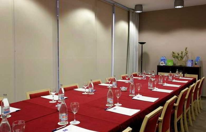 B&B Girona - Conference - 2