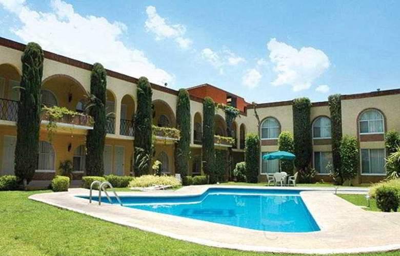 Villa del Sol and Suites - Pool - 6