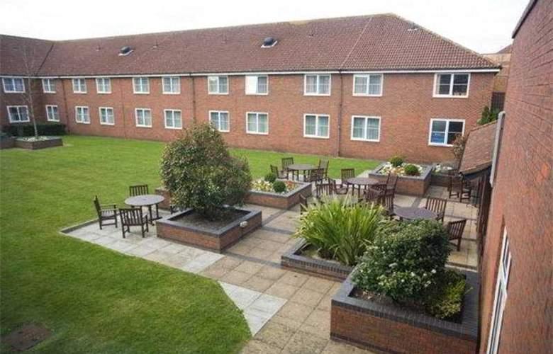 Holiday Inn High Wycombe M40/J4 - Terrace - 6
