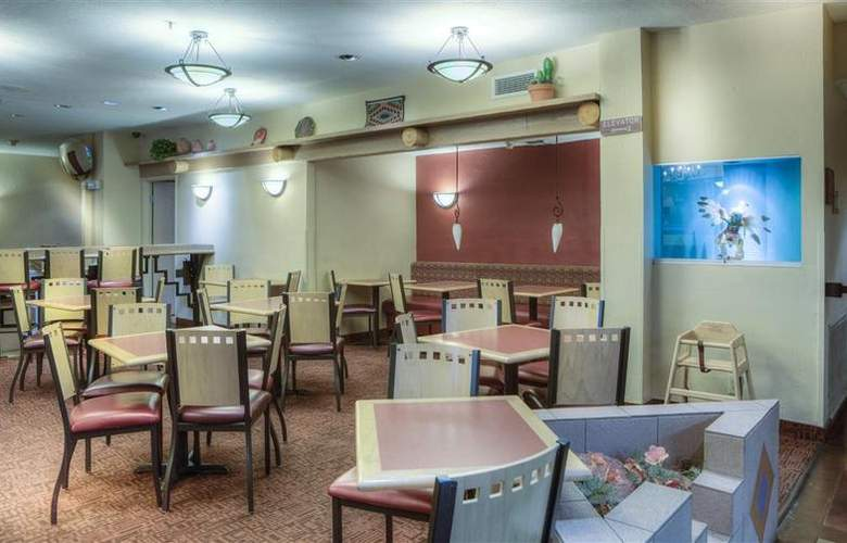Best Western Plus at Lake Powell - Restaurant - 40