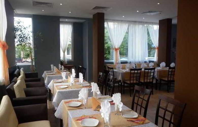 Bon Voyage Hotel Alexander - Restaurant - 3