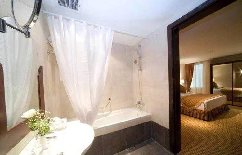 Golden Tulip Al Khobar - Room - 9