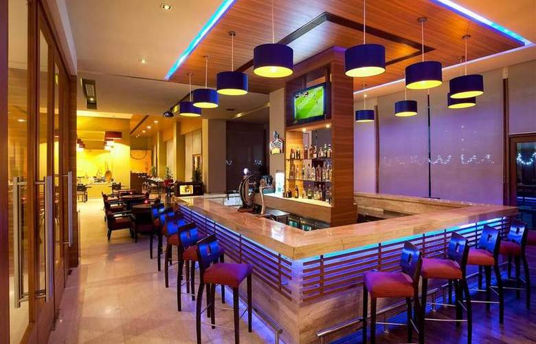 Ibis Gurgaon - Restaurant - 12