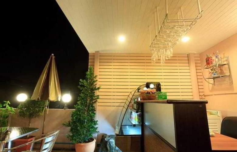 Check Inn China Town By Sarida - Bar - 9
