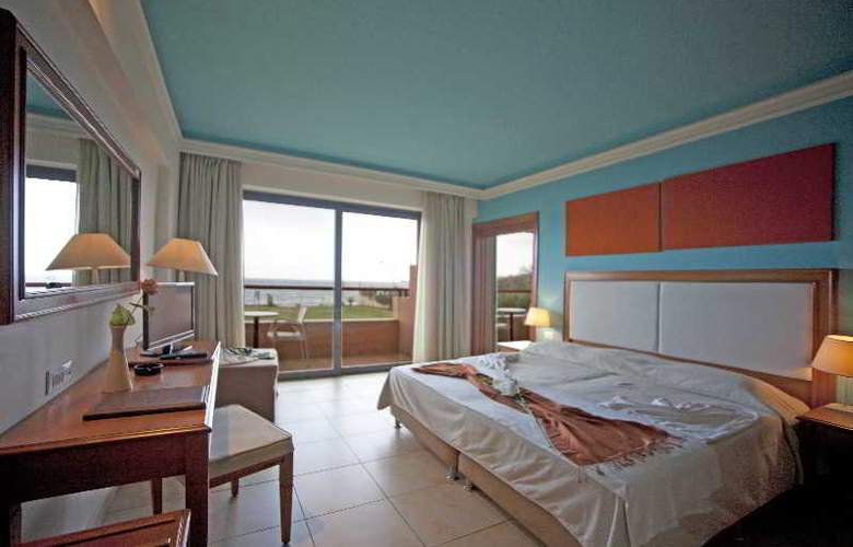 Kiani Beach Resort - Room - 1