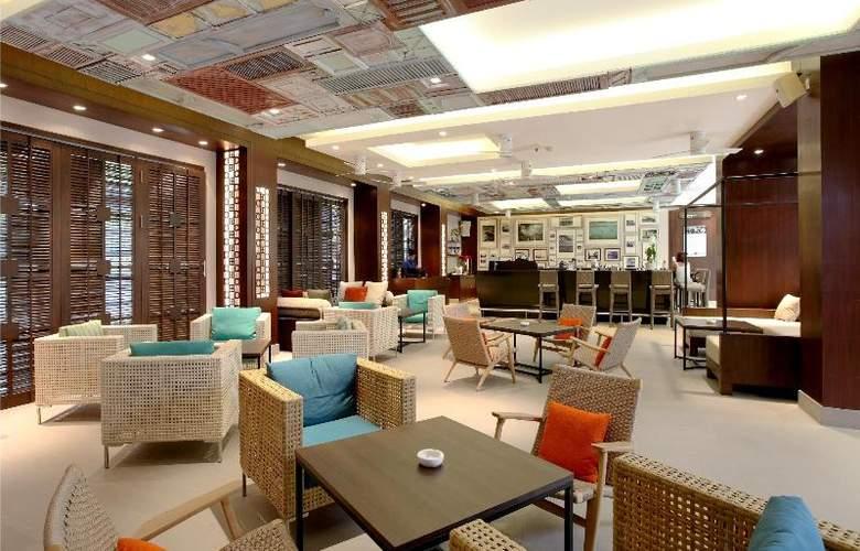 Holiday Inn Resort Phuket Patong - Bar - 17